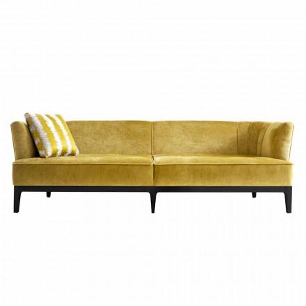Design sofa betrukket med bøg træ Grilli Kipling lavet Italien