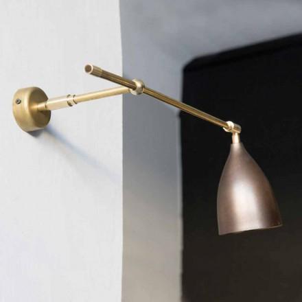Væglampe af jern messing og finish af kobbereret kobber fremstillet i Italien - konisk