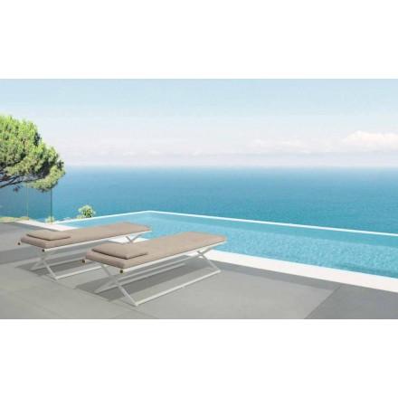 Domino garden folding lounger af Talenti, i teak og aluminium