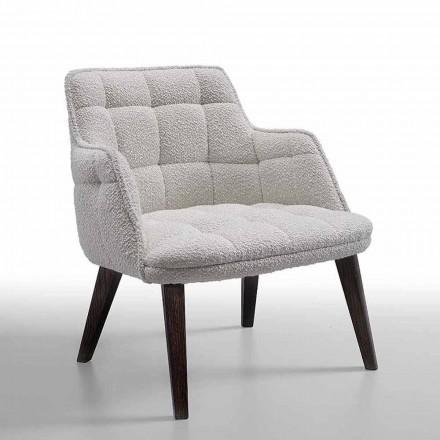 Luksus lænestol betrukket med stof med træben fremstillet i Italien - Clera