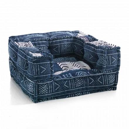 Lænestol i etnisk lounge i lappet stof eller fløjlsfiber