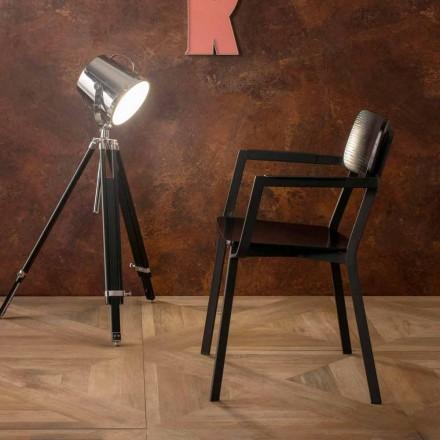 Elmas lænestol med moderne design i træ og metal