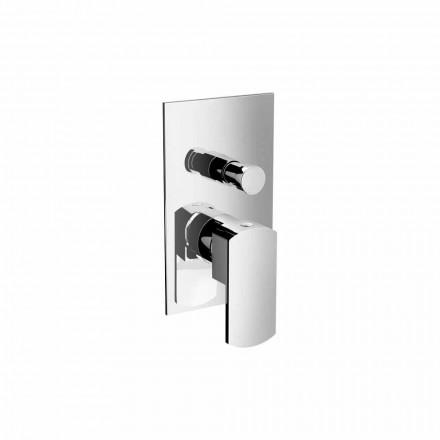 Moderne bruser- eller badekararmatur med omskifter fremstillet i Italien - Sika