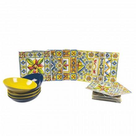 Sæt med moderne farvede firkantede plader i porcelæn 18 stykker - sommer