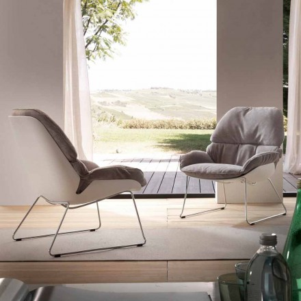 Moderne lænestol Betulla med hvid skal og grå pude