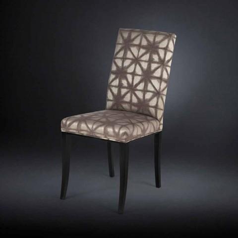2. september polstrede moderne stole med træben i sort Audrey
