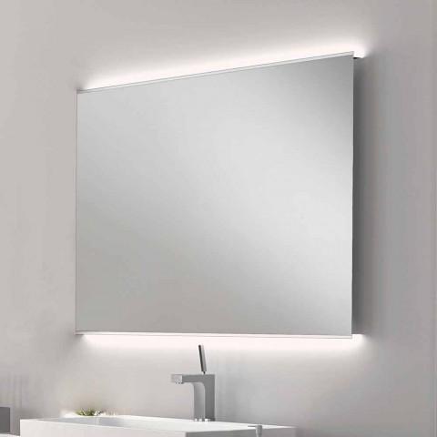 Badeværelse spejl med moderne design LED lys med matteret kanter Veva