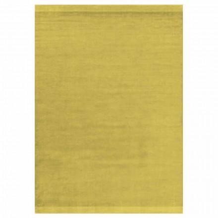 Moderne design farvet og stort tæppe i silke og uld med båndblanding