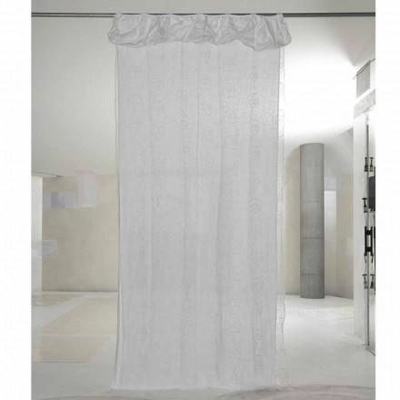 Hvid linned og organzagardin med elegant rosenbroderi - Mariarosa