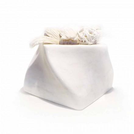 Dekorativ design vase i Bardiglio eller Carrara marmor fremstillet i Italien - Prisma